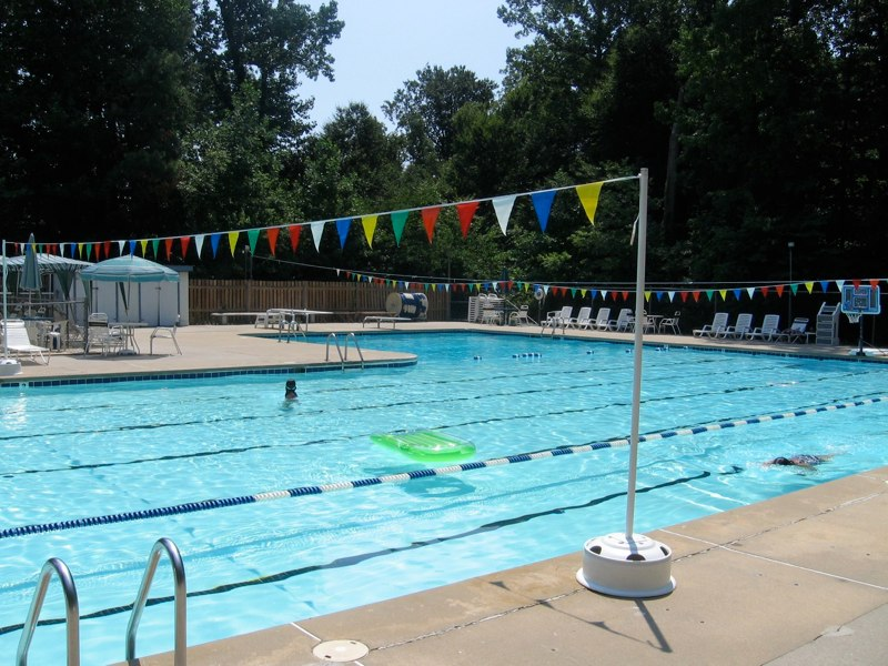 Williamsburg Community Pool, photo by Ann Effimetz